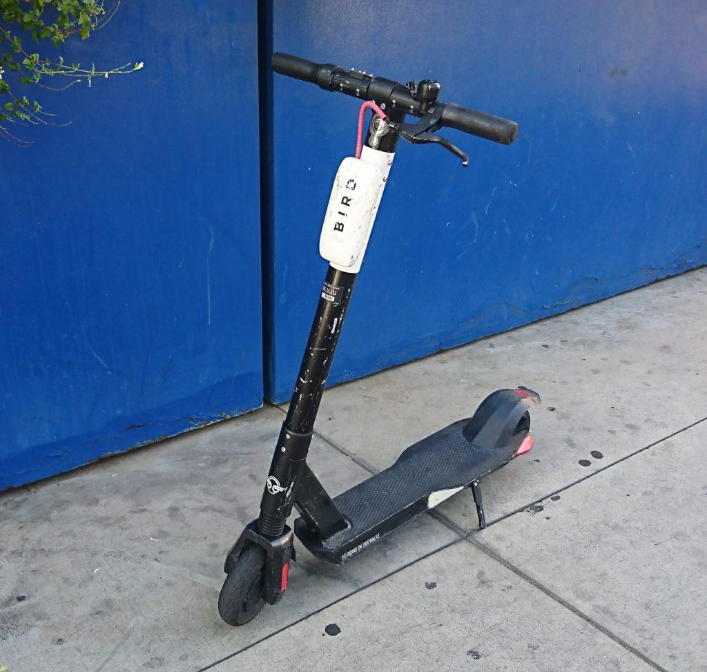 ロサンゼルスの電動キックボードBIRD
